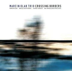 dz03NTA=_src_10470-marcin_olak_trio_crossing_borders_max